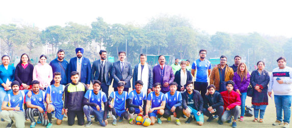 bhaichung-bhutia-at-asian-law-college-alc-noida-athleema-2020-football-2